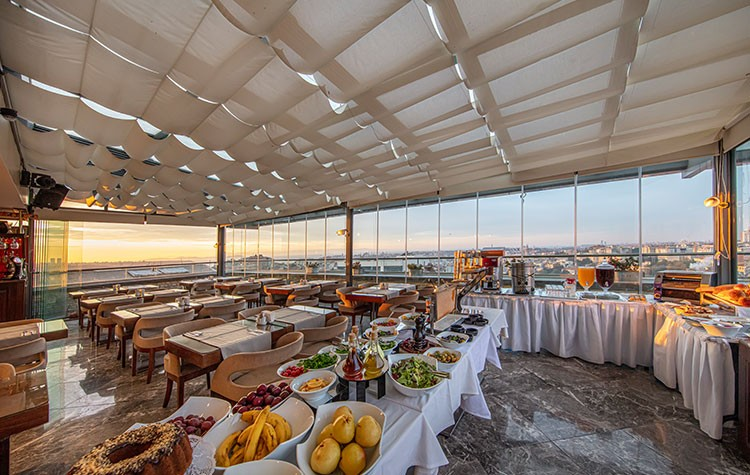 Restaurant / Teras - Pera Center Hotel
